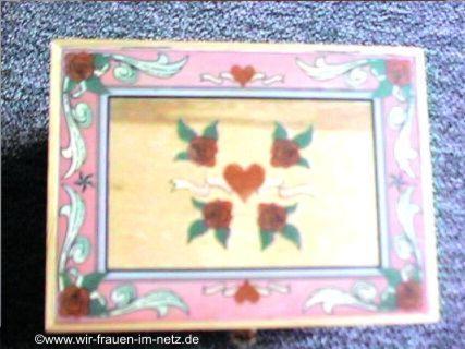 Deckel mit rosa Herzen und Rosen Dekor