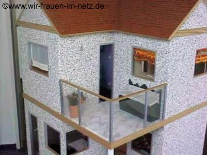 Balkon mit gemütlicher Bank