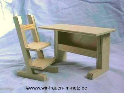 Schreibtisch mit passendem Stuhl