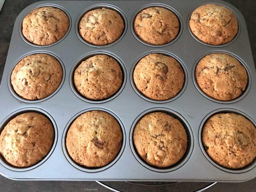 tiefgefrorene und frisch gebackene Muffins